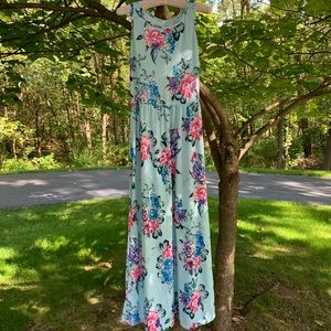 NWOT🔥Blue floral stretchy maxi dress S